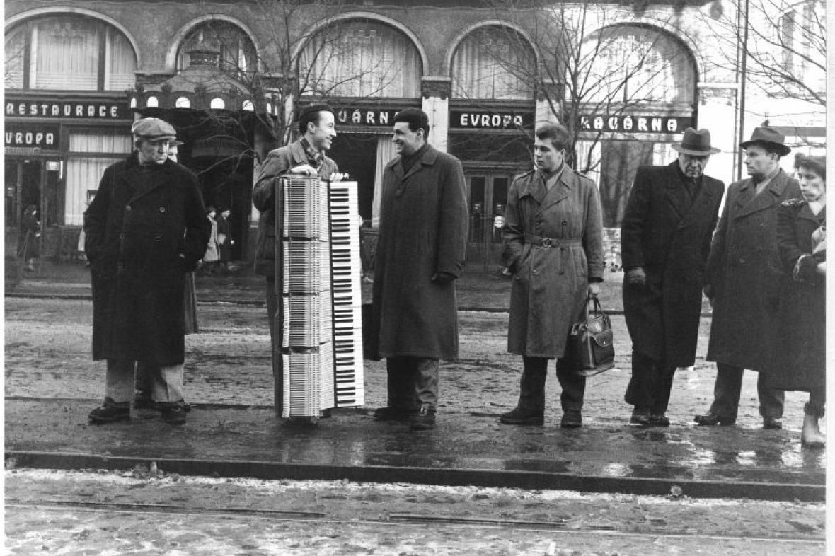 Klavír - tramvaj