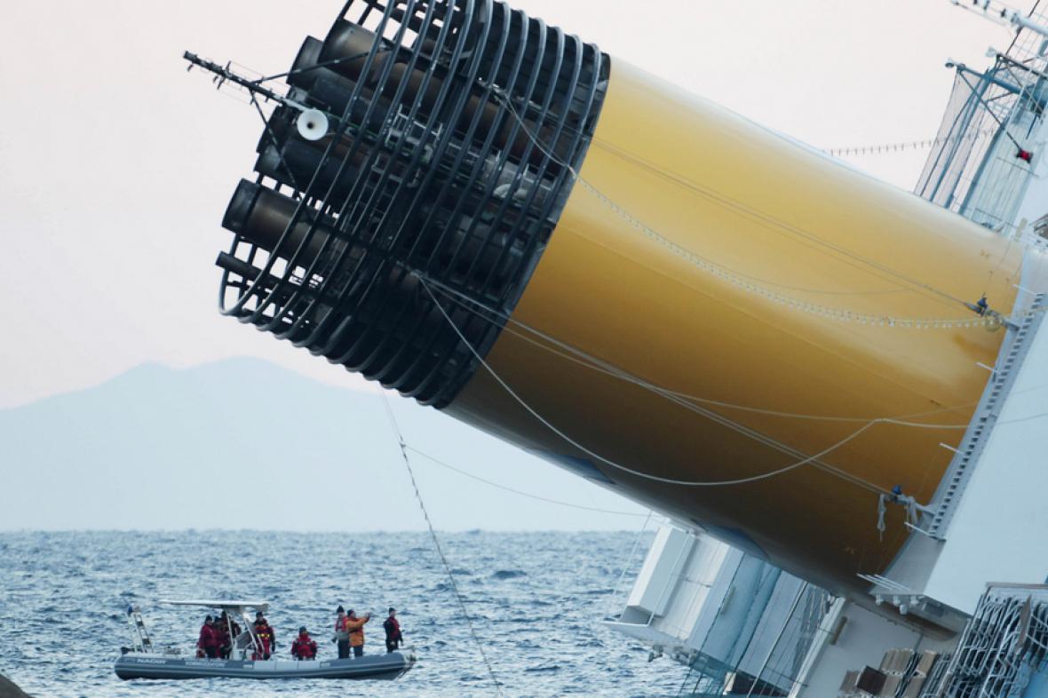 Nehoda lodi Costa Concordia