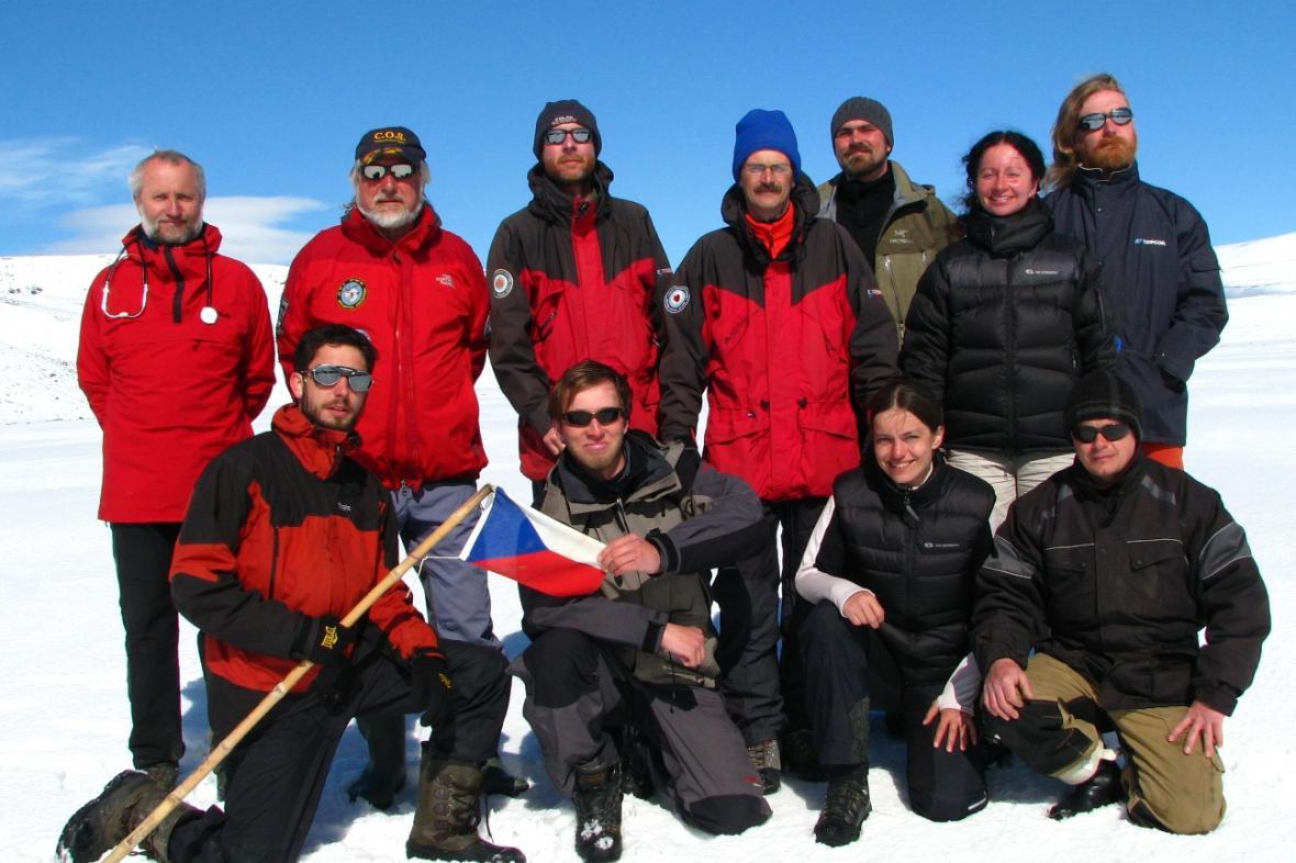 Členové letošní expedice na ostrov Jamese Rosse