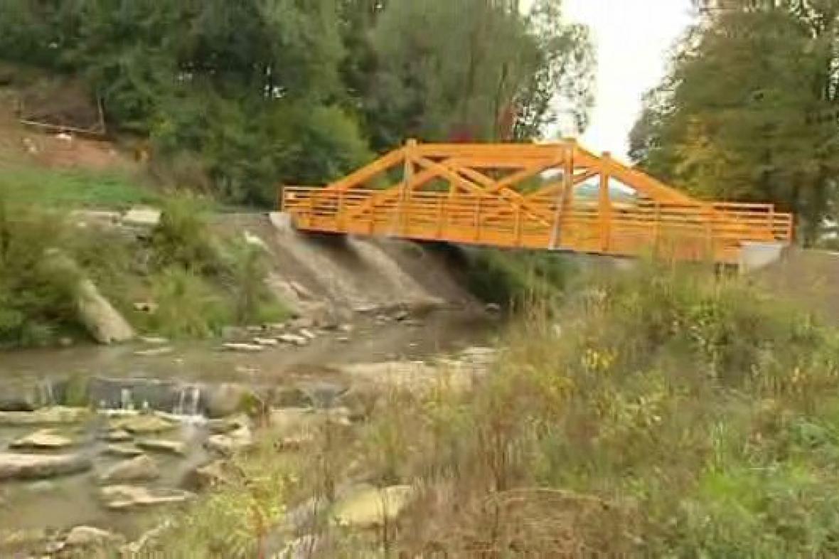 Nový dřevěný most