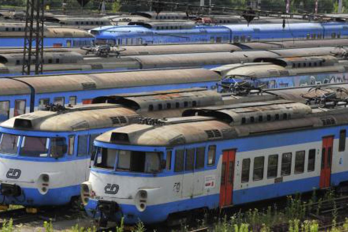 Odstavené vlaky během stávky