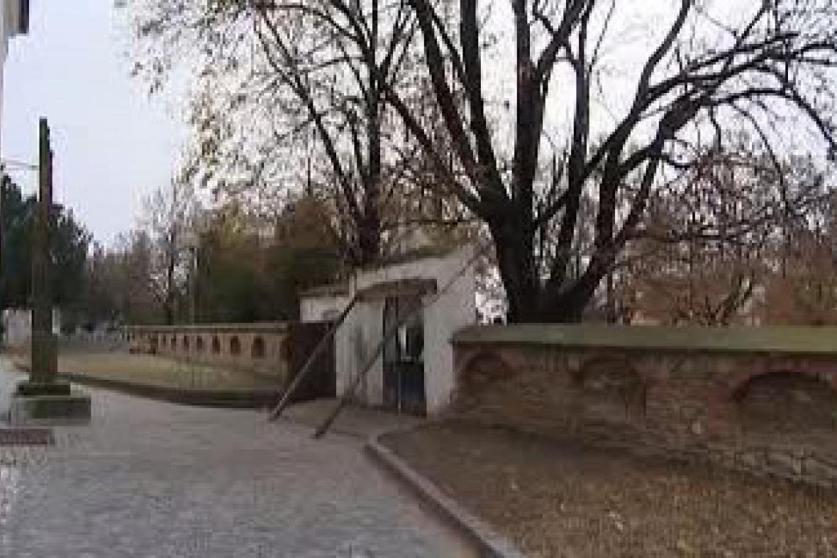 Historická brána v Bořeticích