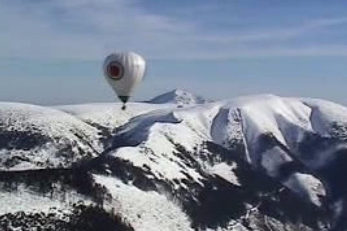 Plavba balonem nad Sněžkou