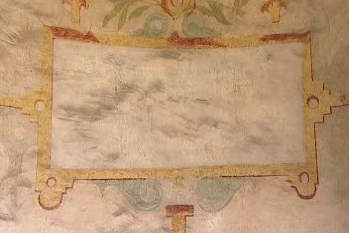 Poničená freska