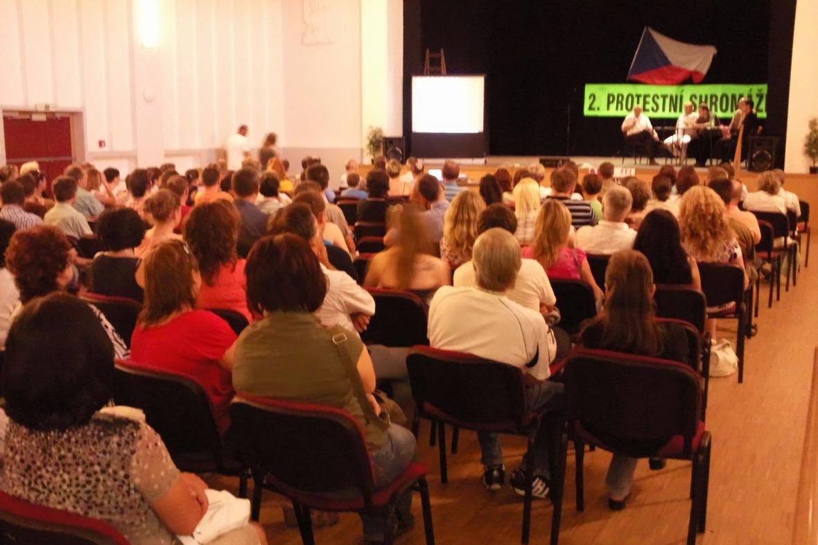 Židlochovičtí protestují proti rušení gymnázia