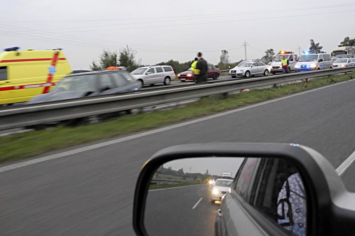 Dopravní nehoda na R10