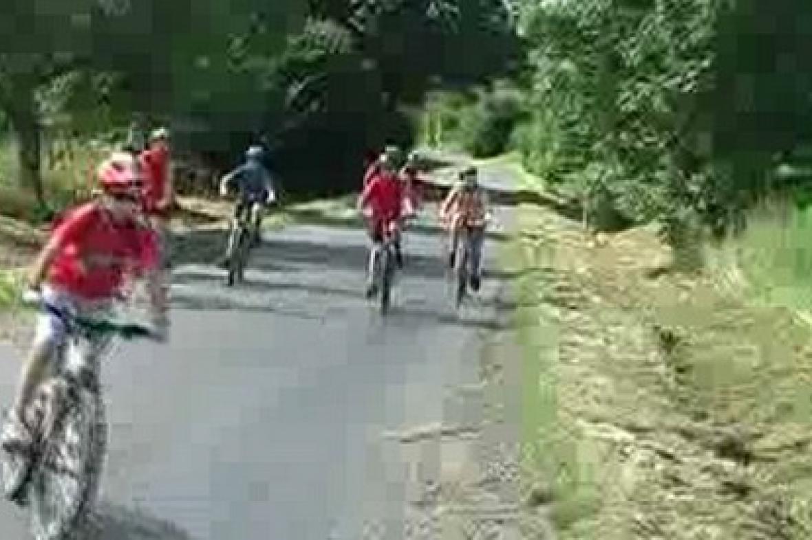 Cyklisté na trati okolo Poběžovic