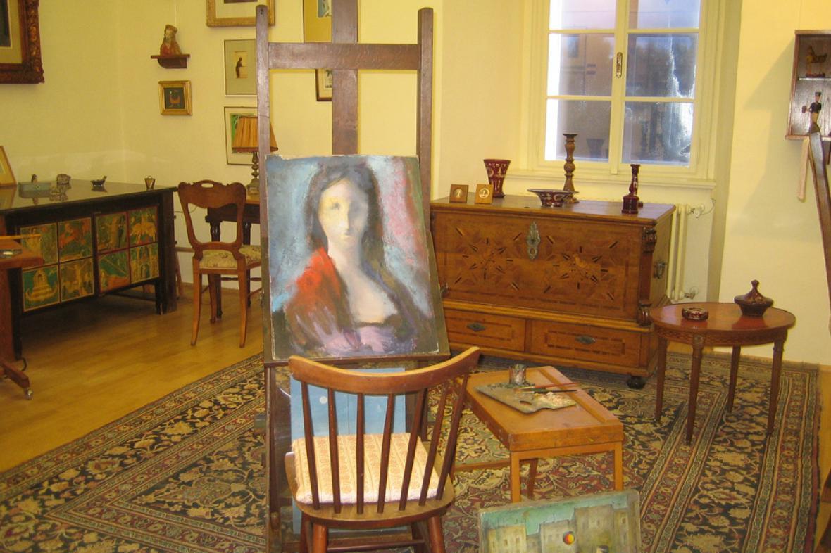 Expozice malířky Ludmily Jiřincové na Chvalském zámku