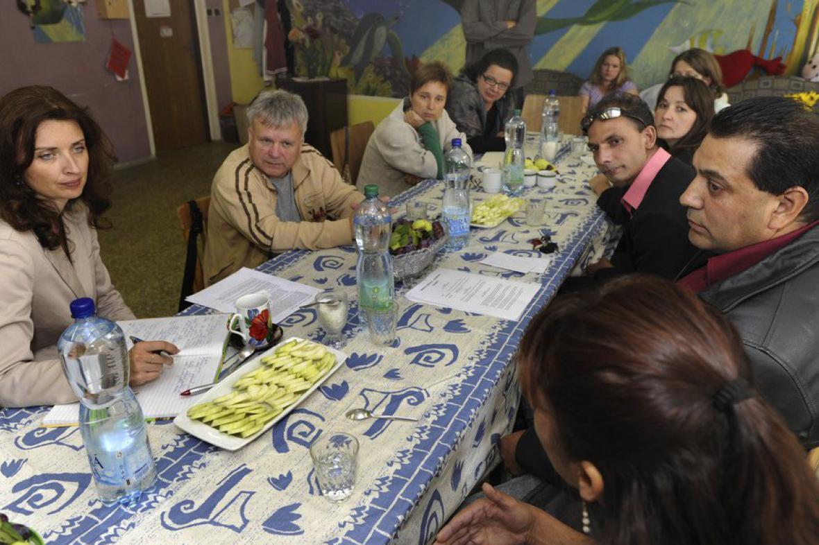 Monika Šimůnková na návštěvě Oblastní charity v Rumburku