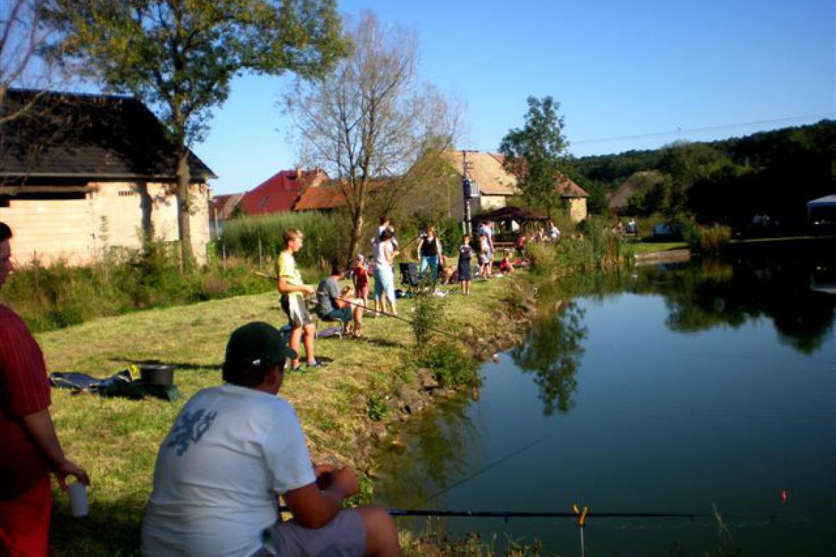 Z rybářských závodů ve Vojnicích