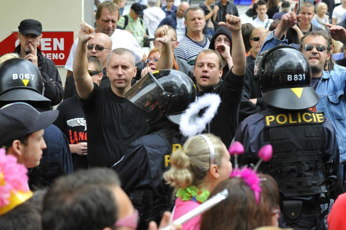 Protesty proti duhovému pochodu