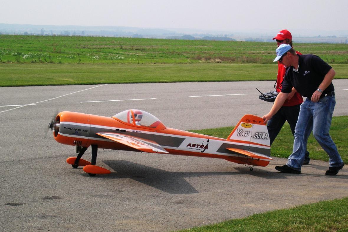 Soutěž obřích akrobatických modelů letadel