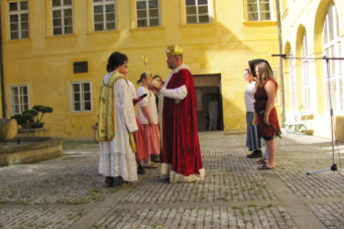 Z divadelního představení na kopidlenském zámku