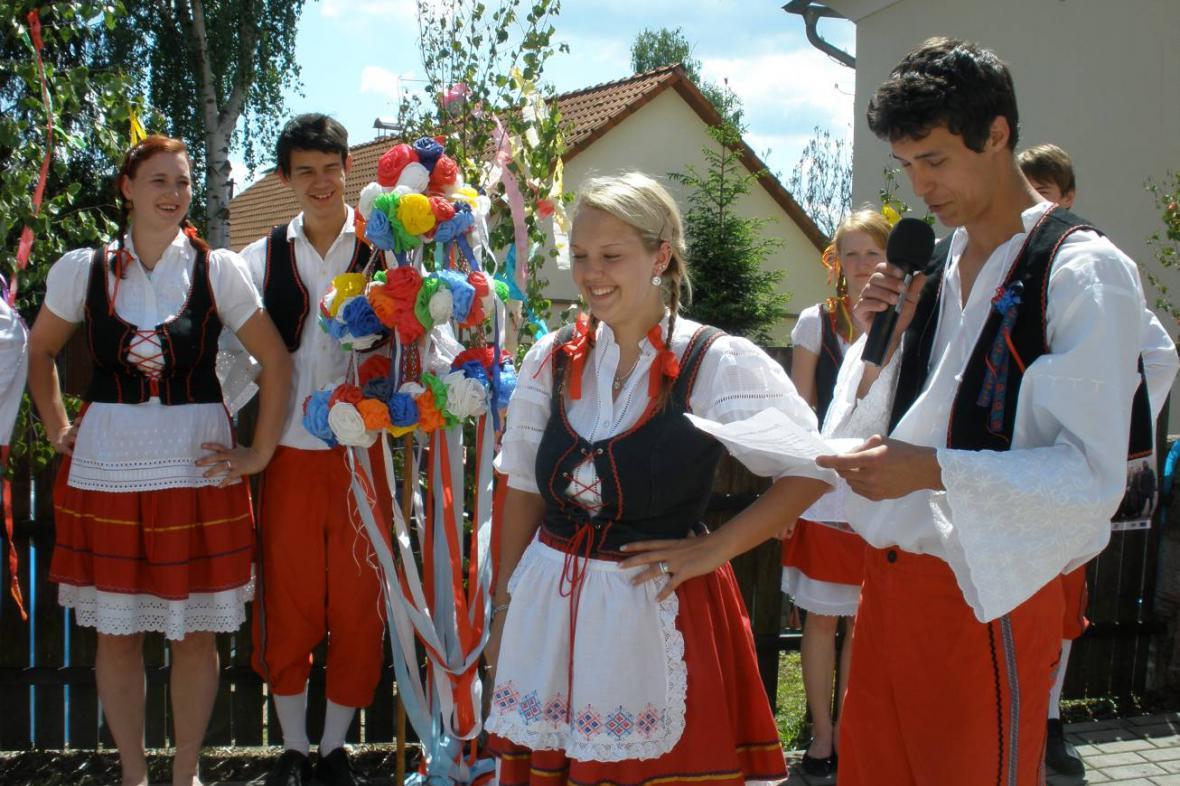 Staročeské máje ve Všeradicích u Berouna 21. května