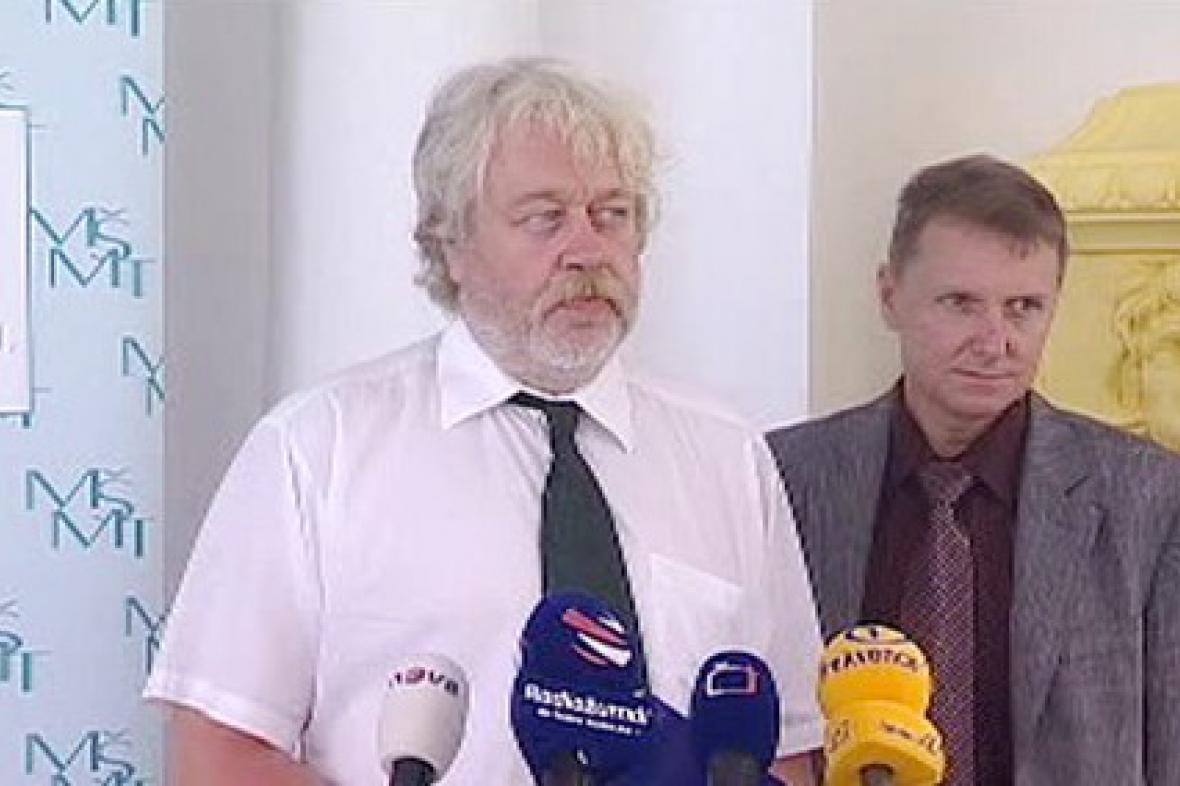 Ředitel Cermatu Pavel Zelený a náměstek pro regionální školství Ladislav Němec