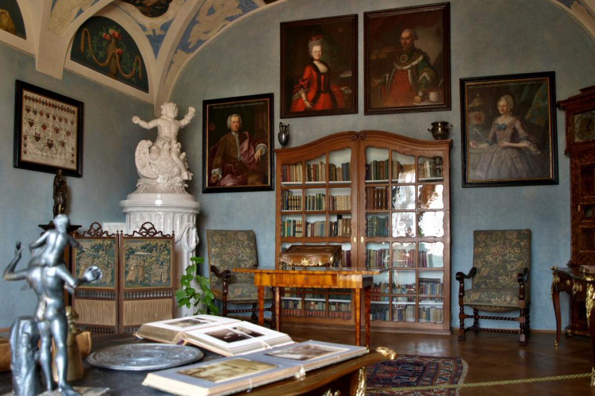 Mníšek pod Brdy - interiér zámku