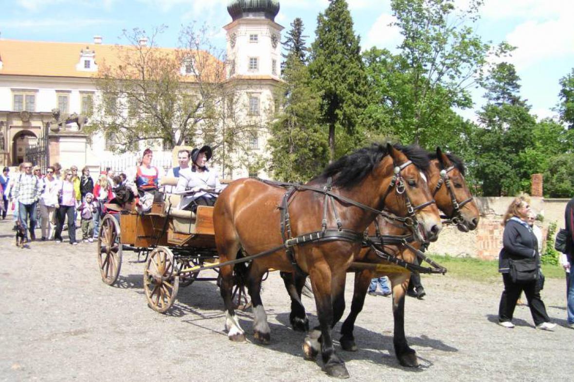 Staročeské máje v Mníšku pod Brdy