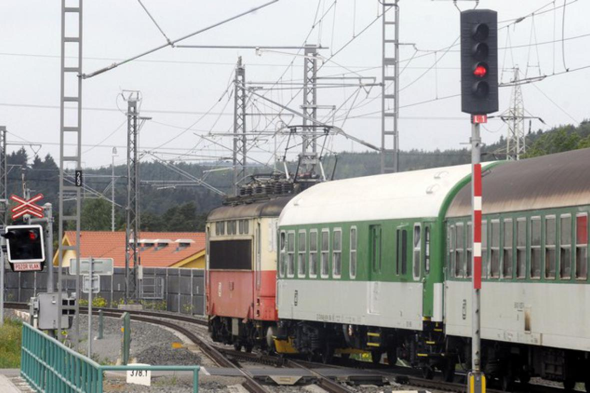 Vlak na zrekonstruované trati