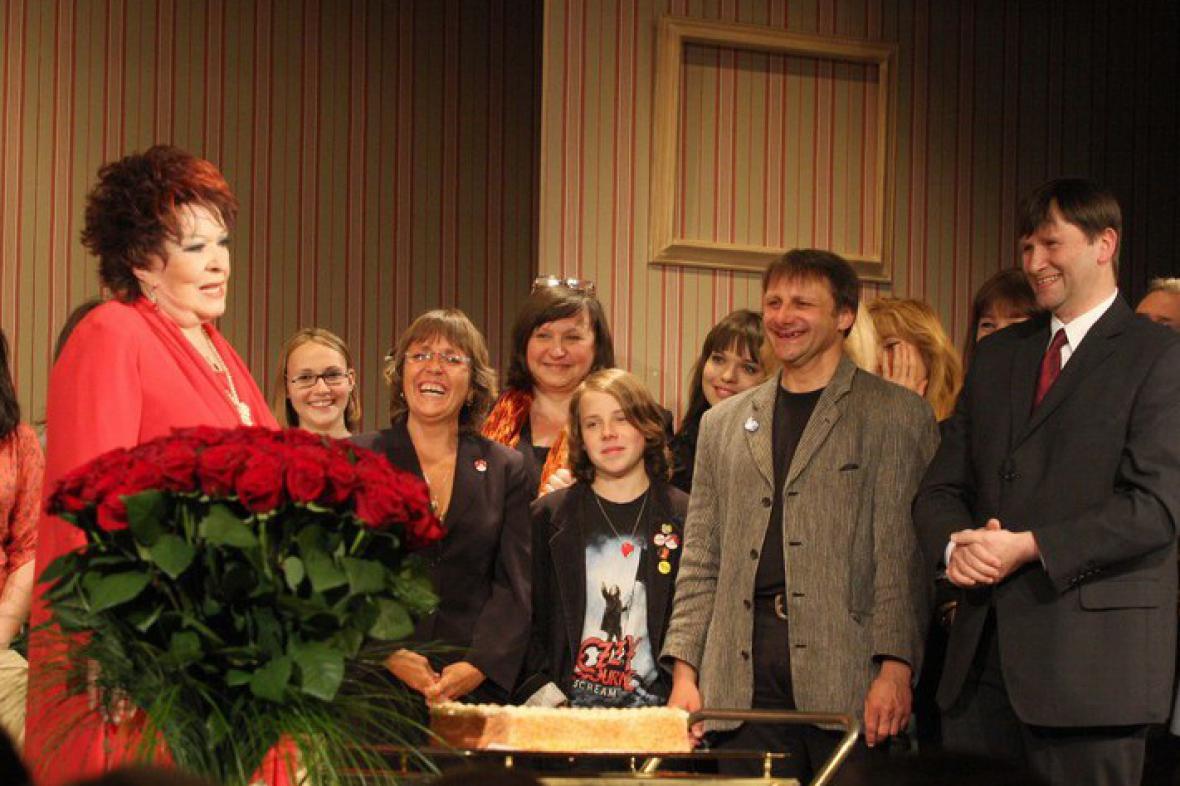 80 růží pro Jiřinu Bohdalovou