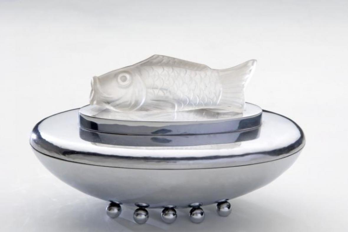 Stříbrná dóza