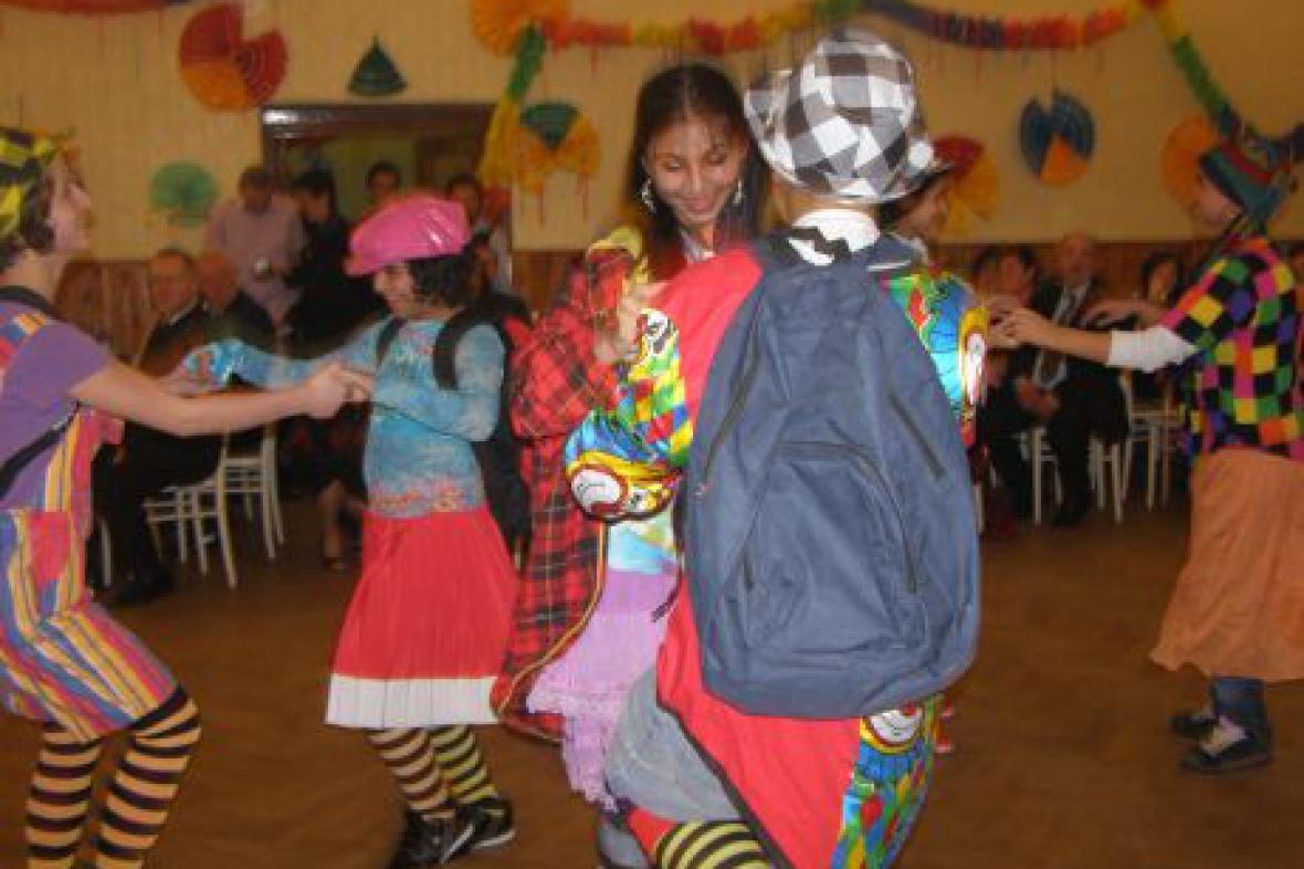 Ples dětského domova Dolní Lánov