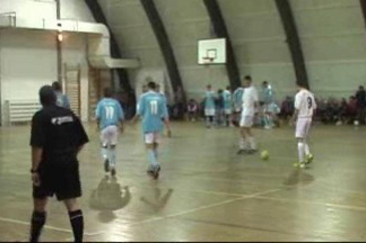 Okresní futsalovou ligu v Kolíně vyhrál FC Věšák Butabi