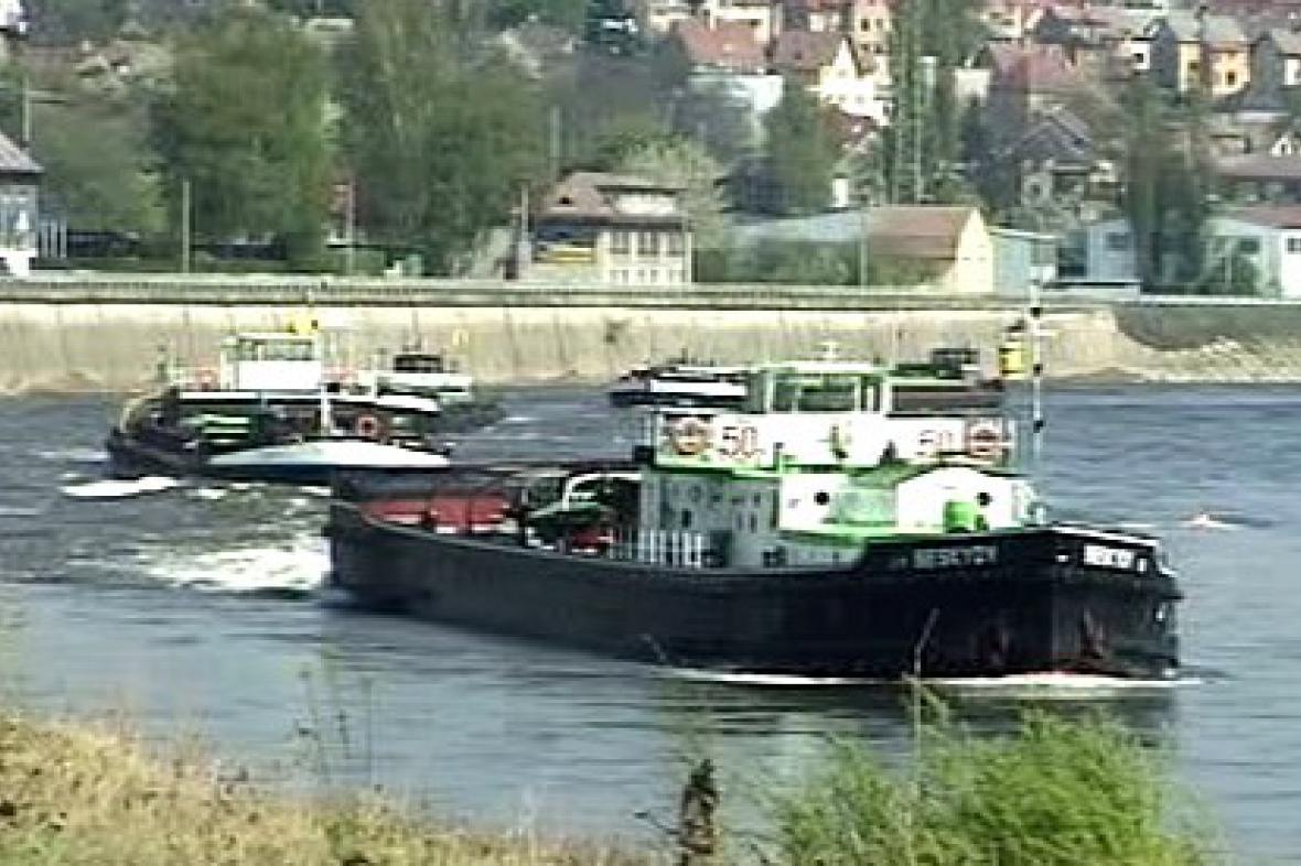 Lodní provoz na Labi