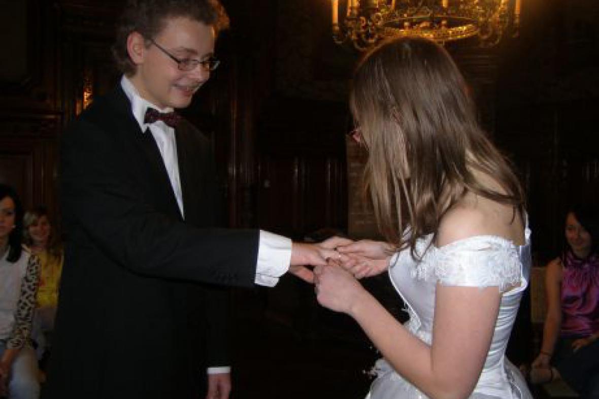 Svatba nanečisto - studenti SŠ v Kopidlně