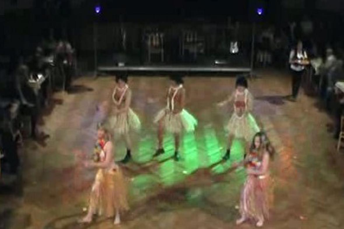 Taneční skupina při vystoupení