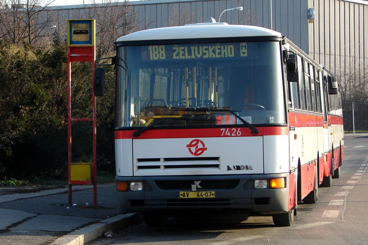 Autobus MHD v Praze
