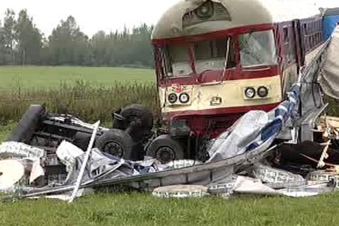 Srážka vlaku s kamionem