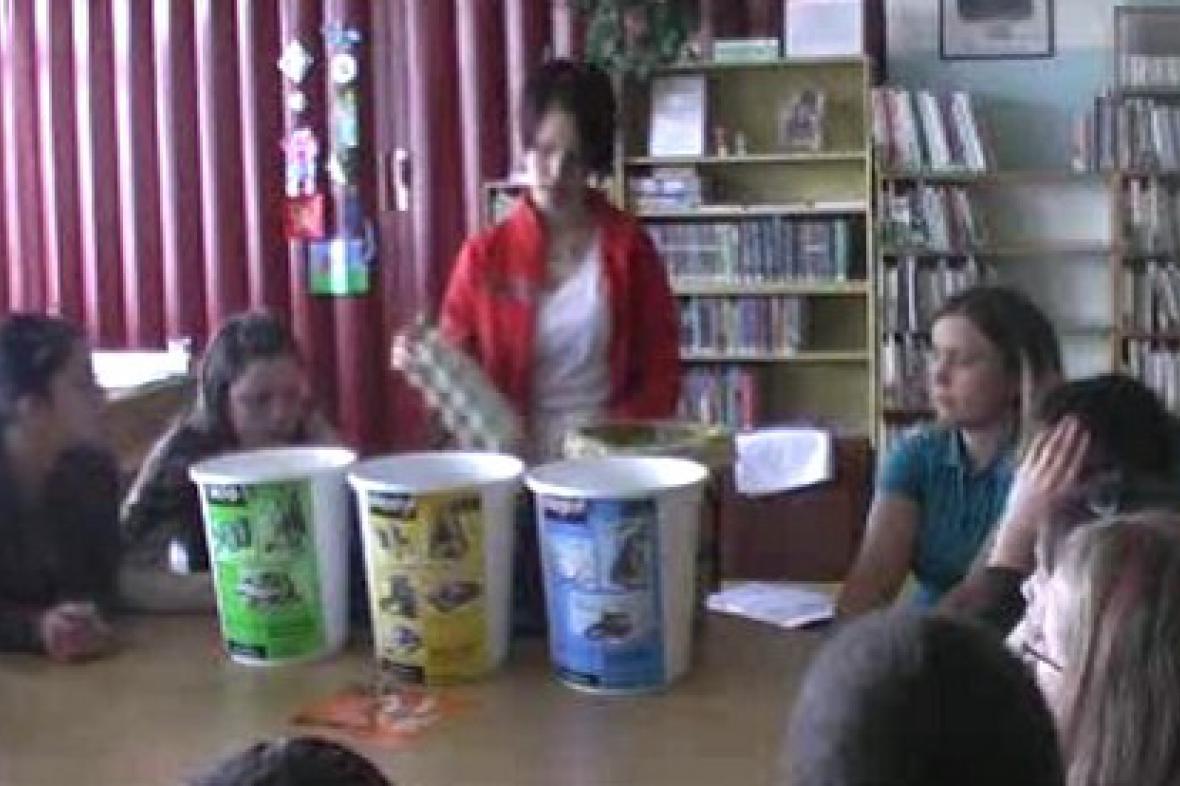 Děti diskutují o recyklaci odpadu