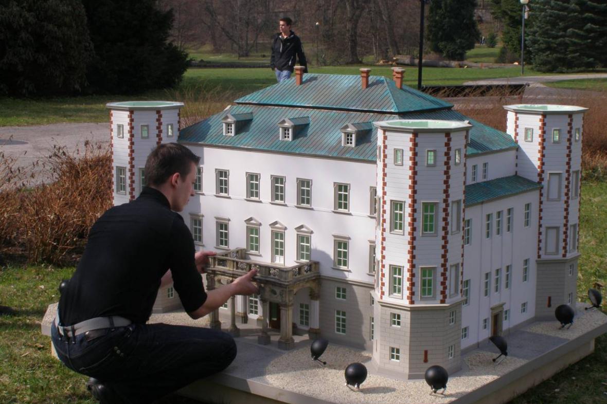 Miniatura vrchlabského zámku