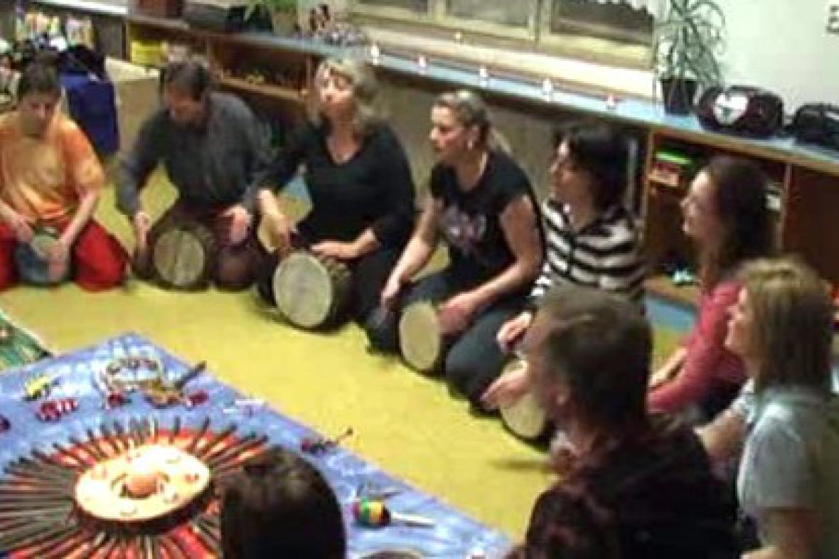 Účastnice kurzu muzikoterapie