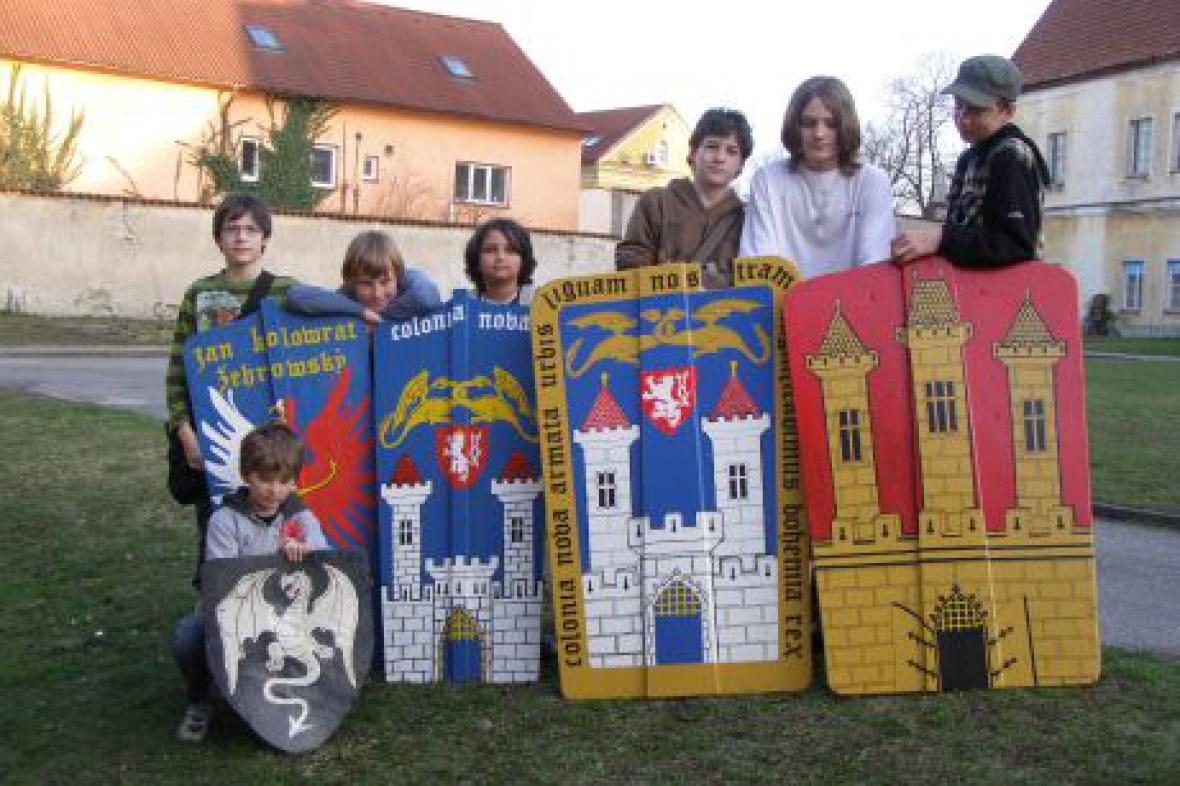 Mladí šermíři navštívili Pány z Kolína
