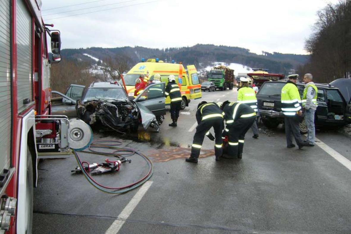 Hasiči u hromadné nehody