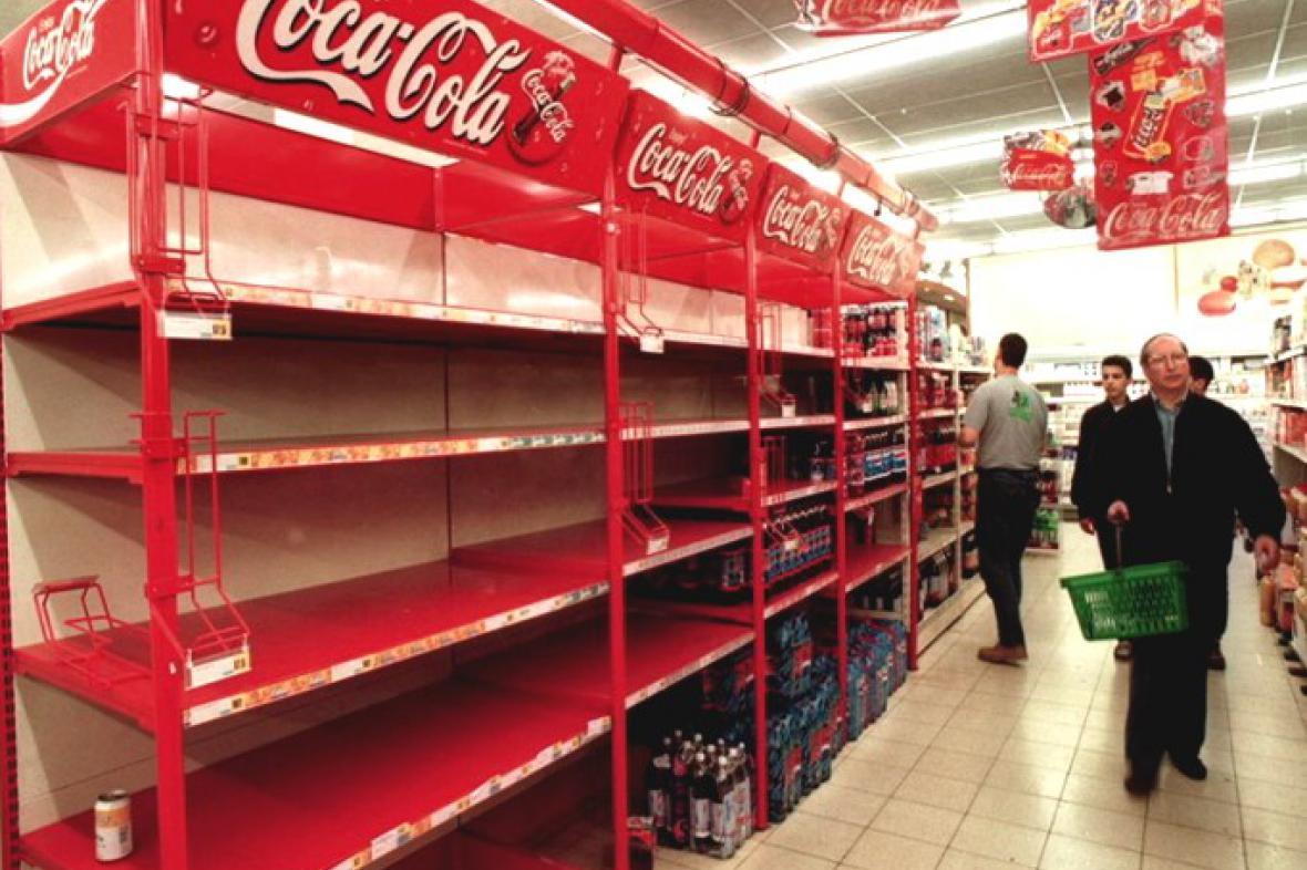 Regály Coca-Coly