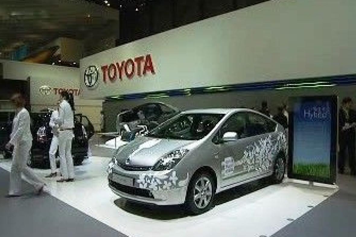 Stánek Toyota na výstavě hybridů