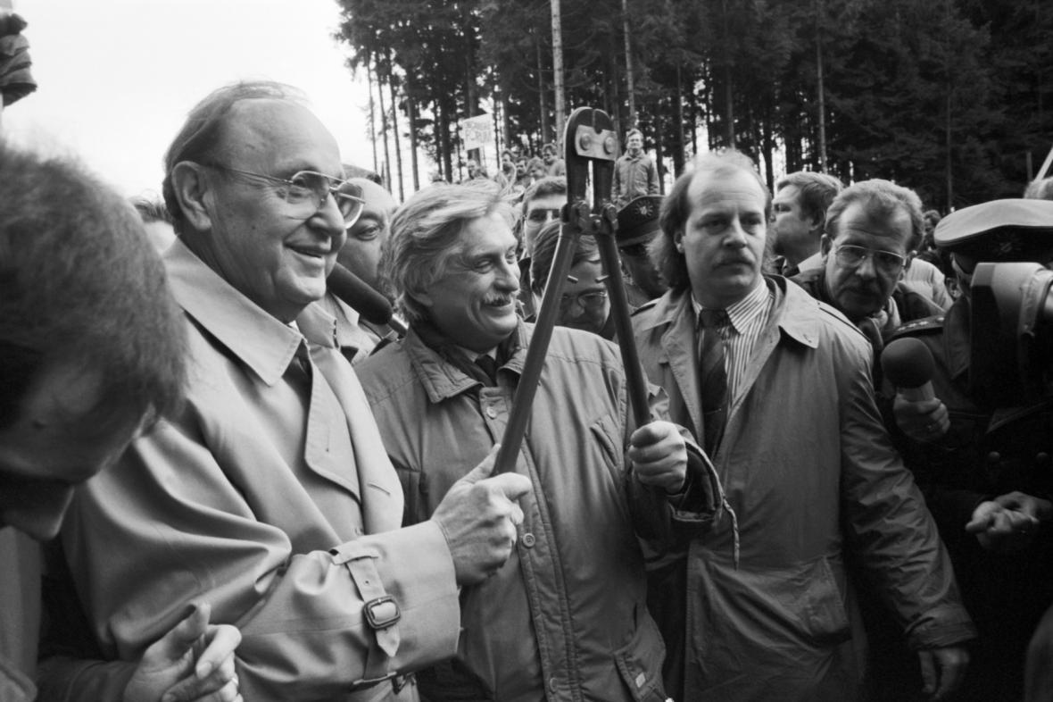 Hans-Dietrich Genscher s Jiřím Dienstbierem