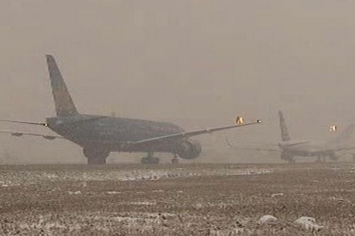 Letiště mají problémy se sněhem