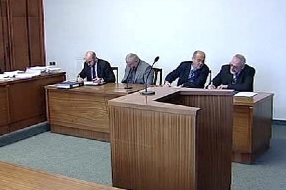 Zasedání u soudu