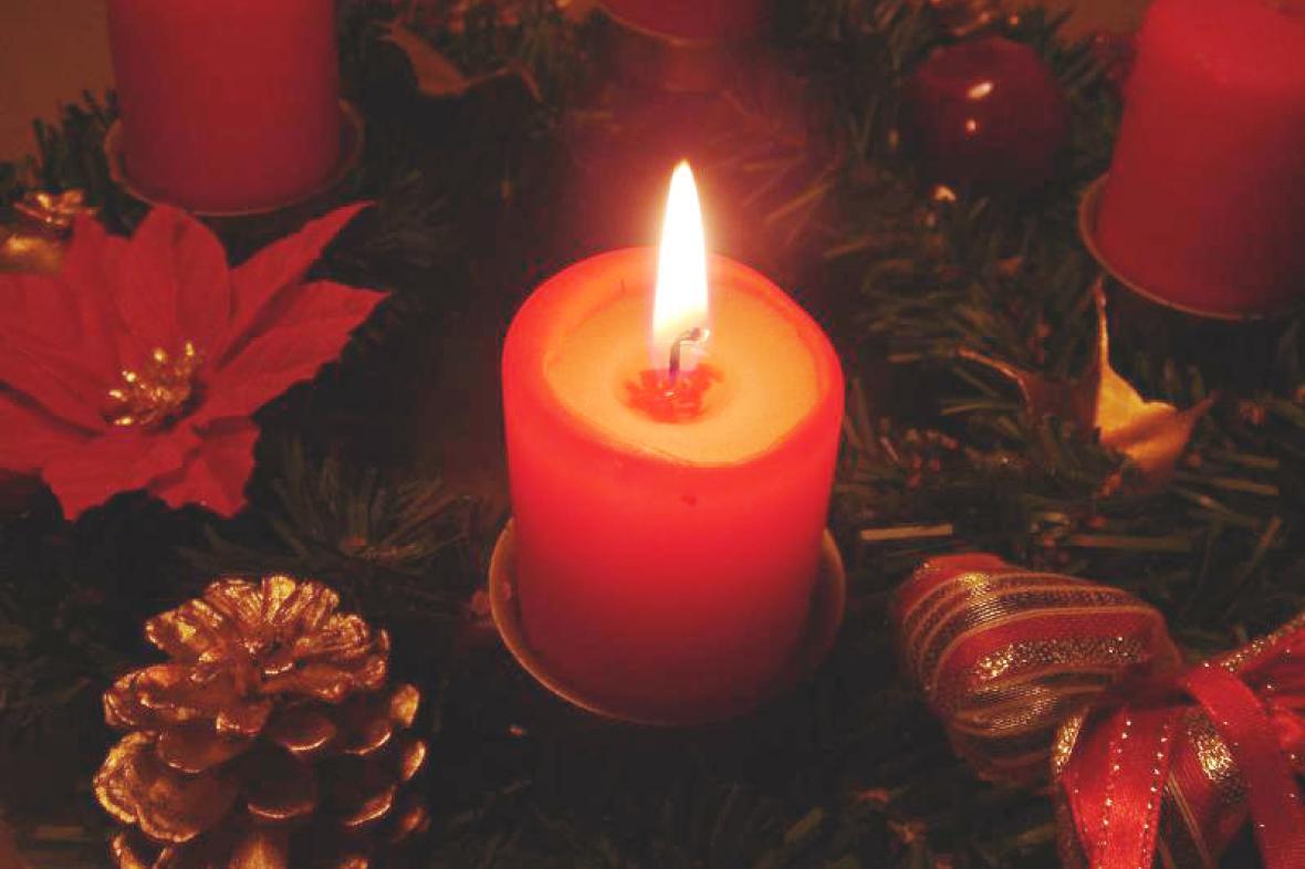 Čas na zapálení první adventní svíčky