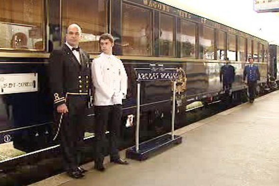 Orient-Express na smíchovském nádraží