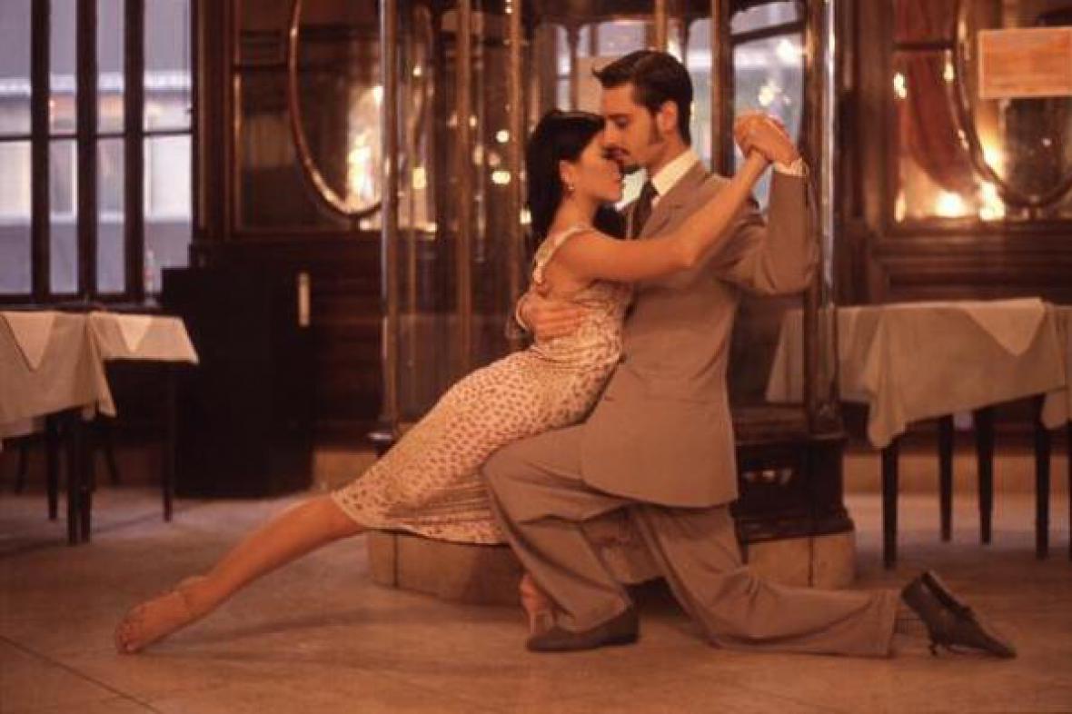 Z dokumentu Tango Salon