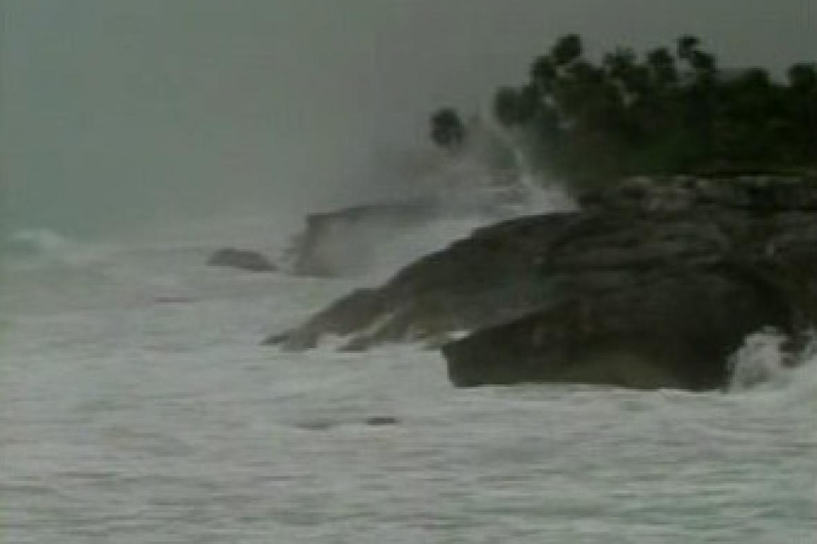 Neklidné moře před hurikánem