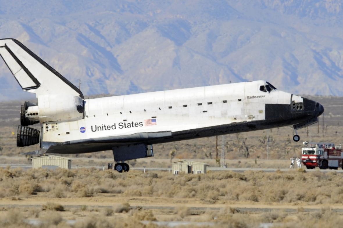 Přistání raketoplánu Endeavour