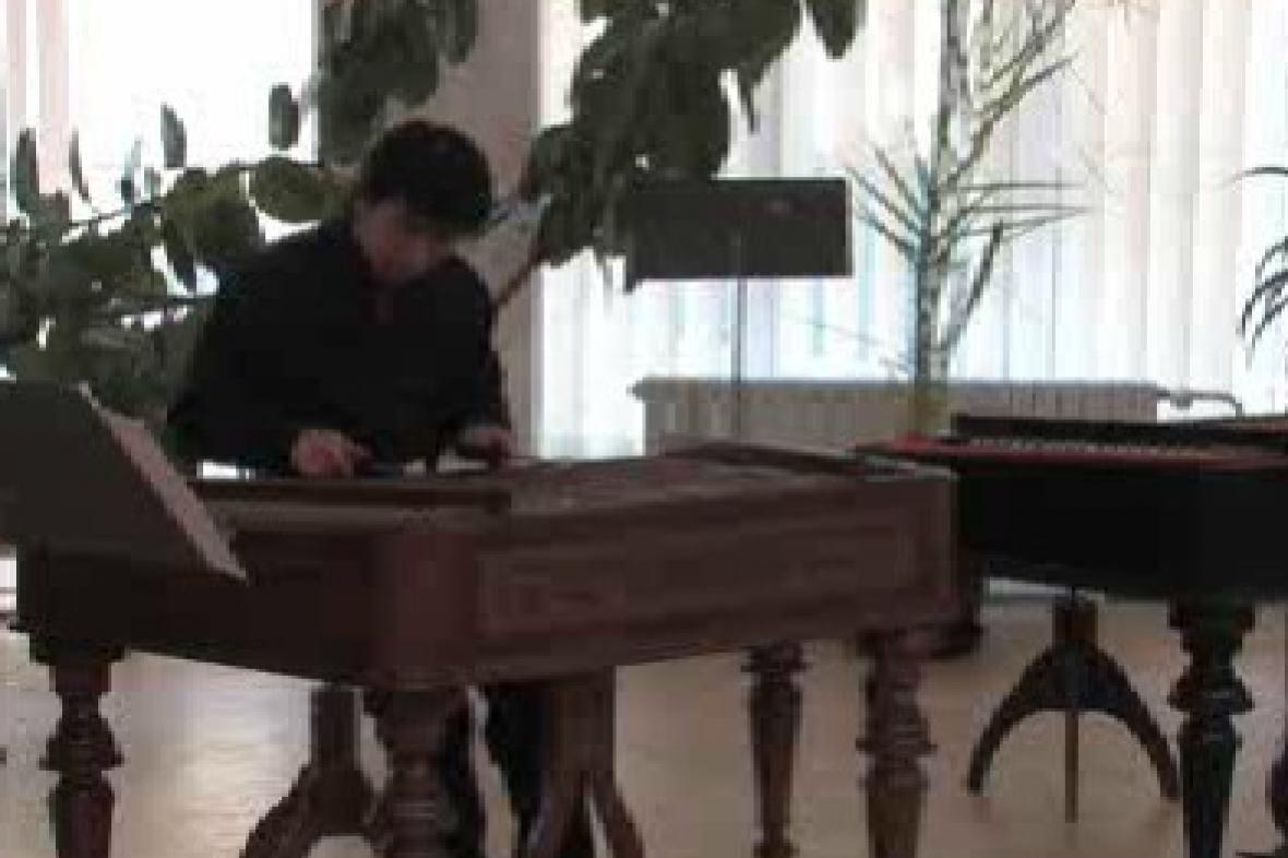 Japonský cimbalista Hiroshi Saito