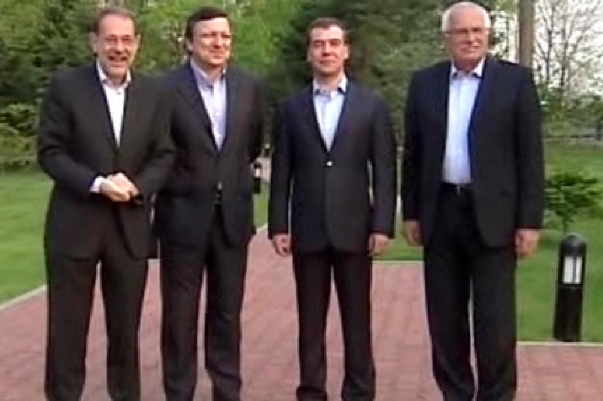Setkání hlavních osobností summitu EU-Rusko
