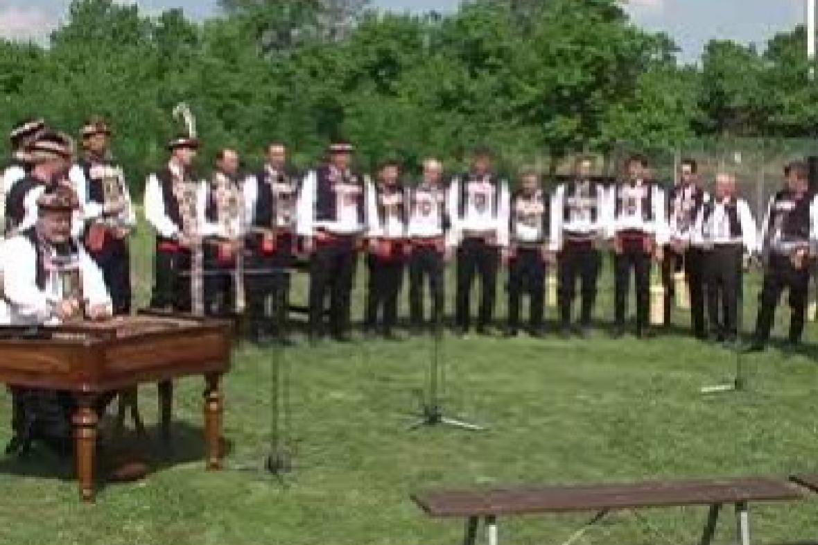 Mužský pěvecký sbor při vystoupení