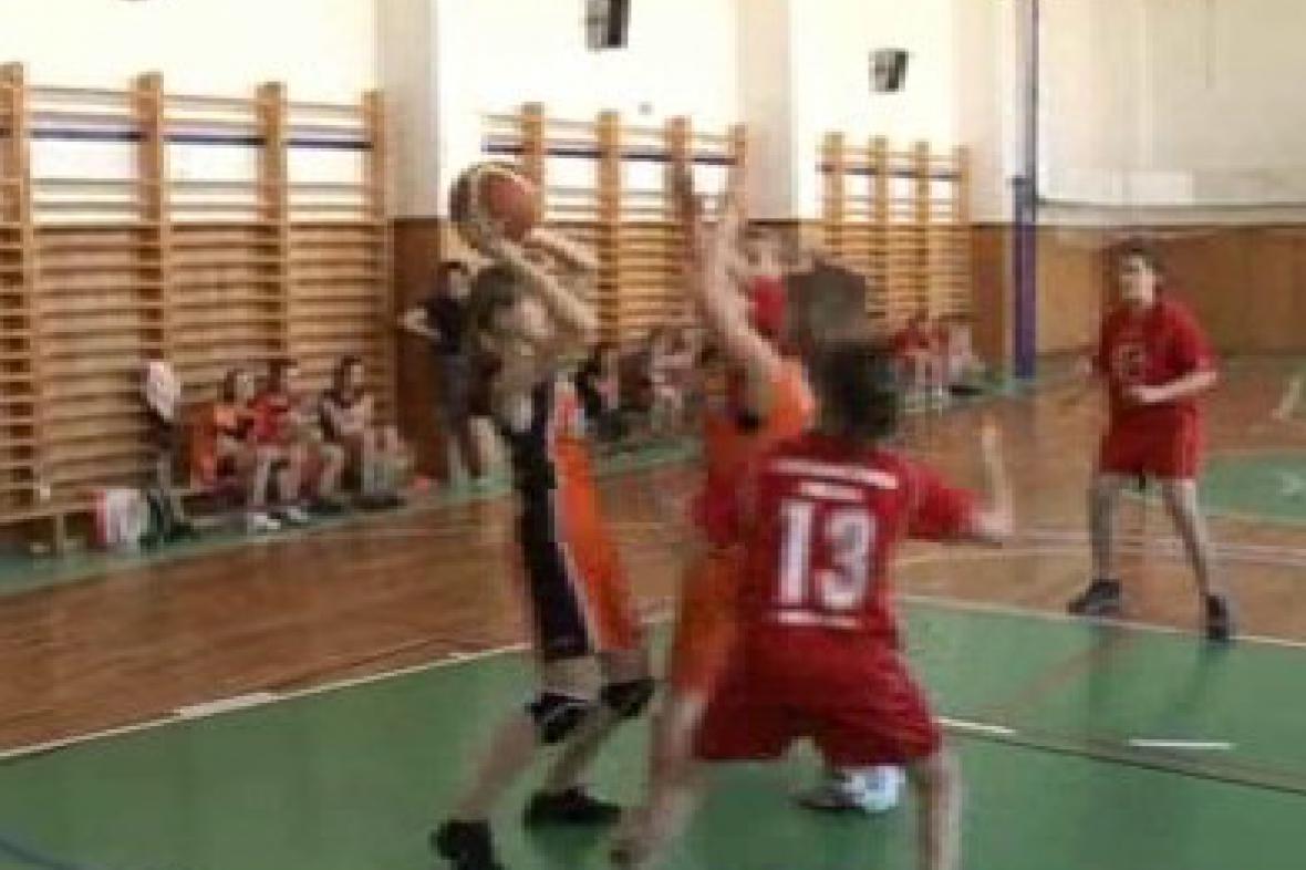 Malé basketbalistky na turnaji v Třebíči